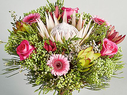 £5 off Autograph King Protea bouquet