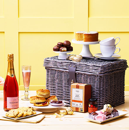 Hampers, food & wine gifts