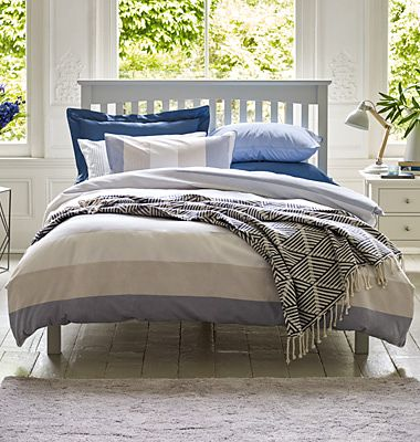 Patterned bedding
