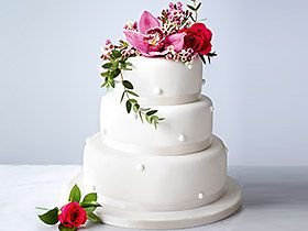 Shop traditional wedding cakes