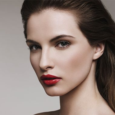 How to achieve the perfect red lip
