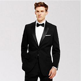 Man wearing formal dinner suit
