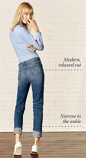 Model wears relaxed slim jeans