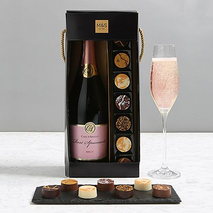Sparkling wine and chocolates gift set