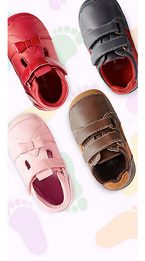 Four children's shoes