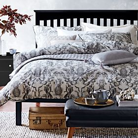 Decorative Scroll patterned bedding