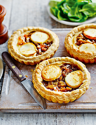 4 Caramelised Onion & Goat's Cheese Tarts Food