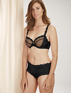 Silk & Motif Lace Set with Non-Padded Plunge DD-G