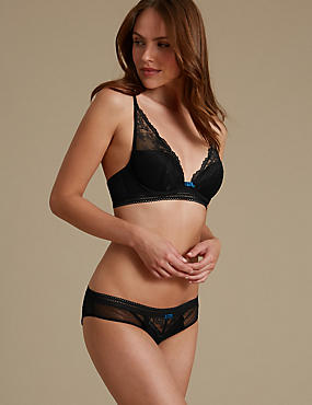 Artisan Lace Set with Padded Plunge A-E