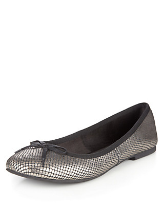 Leather Faux Snakeskin Bow Pumps with Insolia Flex® Clothing