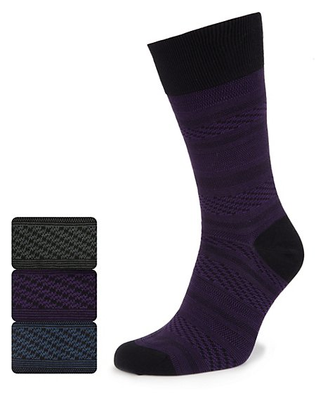 3 Pairs of Textured Striped Socks