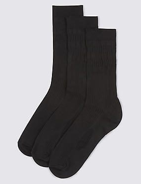 3 Pairs of Freshfeet™ Cotton Rich Non Elastic Socks