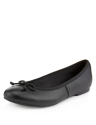 Scuff Resistant Leather Ballet School Pumps with Insolia Flex® (Older Girls) Clothing