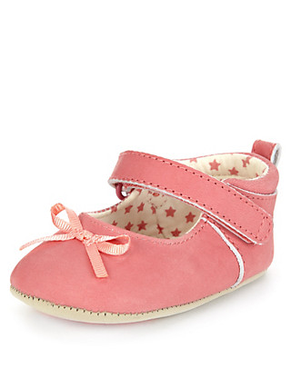 Leather Bow Ballet Pram Shoes (Younger Girls) Clothing
