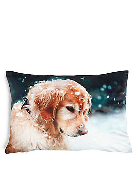 Christmas Retriever Cushion