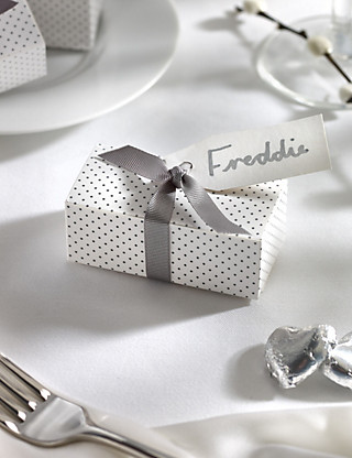 Silver Milk Chocolate Heart Wedding Favours in a Dotty Box with Silver Ribbon - Pack of 25 Hampers