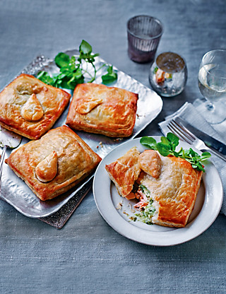 Scottish Lochmuir™ Salmon En croute Food