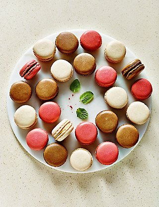 24 Mini Macaroons Food