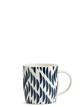 Chelsea Mug, NAVY, catlanding