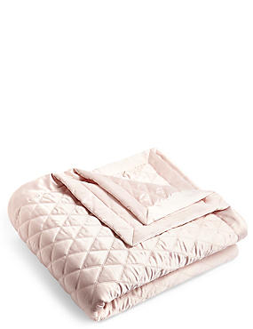 Diamond Quilted Throw, PINK, catlanding