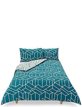 Large Scale Geometric Print Bedding Set, BOTTLE GREEN, catlanding