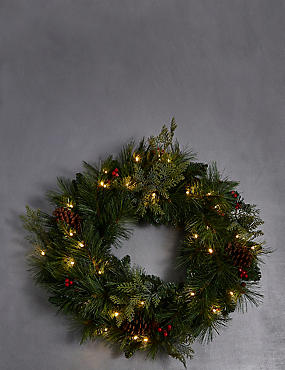 Large Winterberry Light-up Wreath