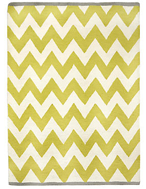 Over Scale Chevron Rug