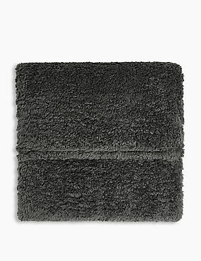 Teddy Fleece Throw, CHARCOAL, catlanding