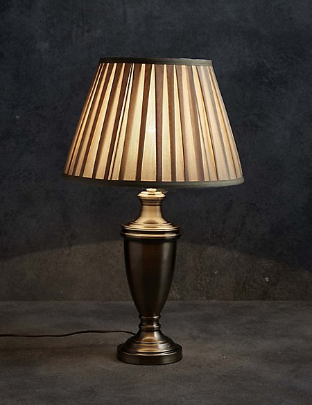 Classic urn table lamp