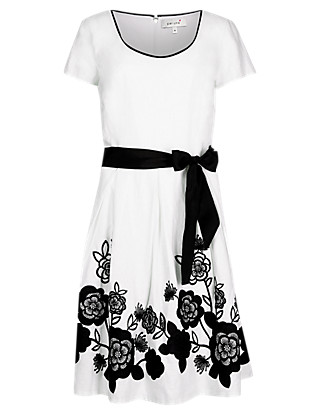 Applique Hem Dress with Belt Clothing