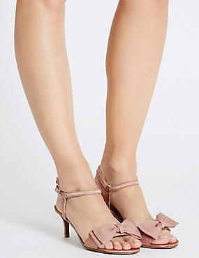 Kitten Heel Bow Sandals