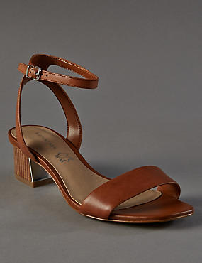 Leather Sandals with Insolia®