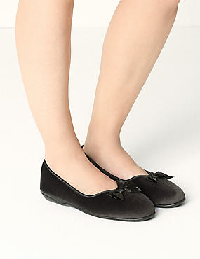 Pull-on V-Throat Bow Ballerina Slippers
