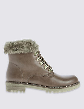 Fur Hiker Boots with Insolia Flex®