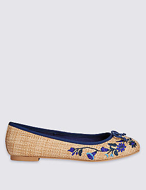 Embroidered Pump Shoes