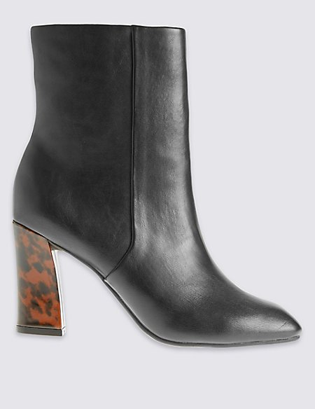 Angular Heel Sleek Ankle boots with Insolia®