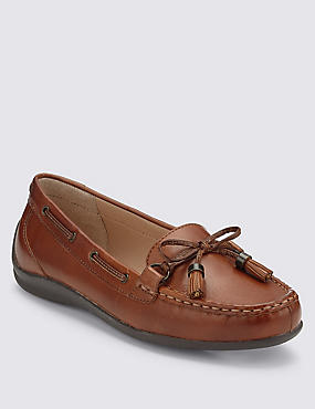 Leather Tassel Boat Shoes with Footglove™