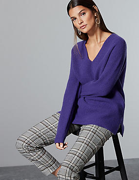 Pure Cashmere Ribbed V-Neck Jumper , PURPLE, catlanding