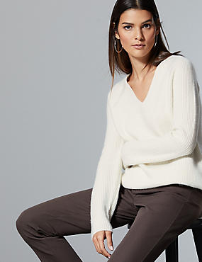 Pure Cashmere Ribbed V-Neck Jumper , CREAM, catlanding