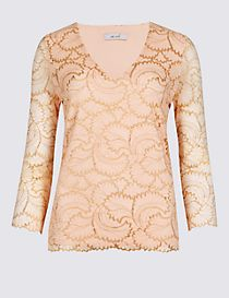 Lace V-Neck 3/4 Sleeve Top