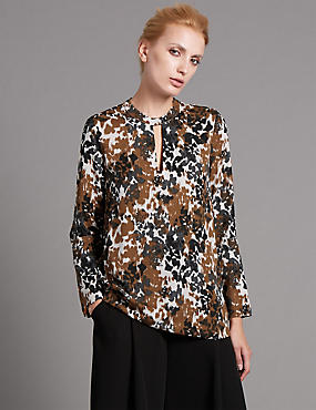 Tailored Fit Smudge Leopard Blouse