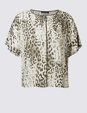 PLUS Printed Kimono Half Sleeve Shell Top
