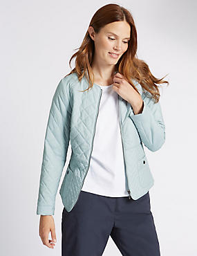 Loose Fit Quilted Jacket with Stormwear™