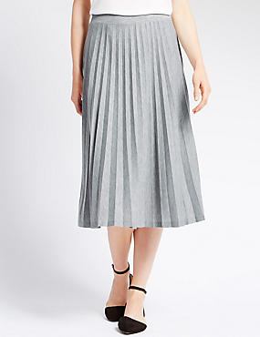 Tailored Fit Pleated Skirt