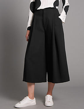 Deep Pleat Cropped Trousers