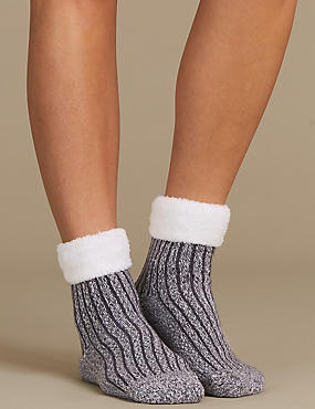 Supersoft Ribbed Ankle High Socks
