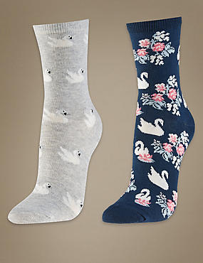 2 Pair Pack Cotton Rich Ankle High Socks