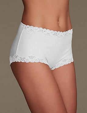 Comfort Lace High Rise Shorts