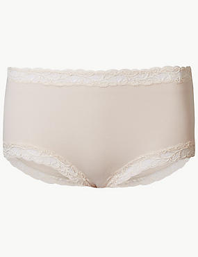 Comfort Scroll Lace High Rise Shorts, ALMOND, catlanding