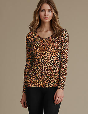 Heatgen™ Thermal Long Sleeve Leopard Print Top